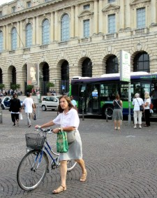 women-cyclists-of-verona-12