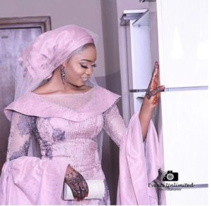 SEE SWEET LOVE!!! THESE AMAZING OUTFITS FOR TRADITIONAL MARRIAGES WILL MAKE YOU MOVE YOUR WEDDING DATE!  hausa 300x293