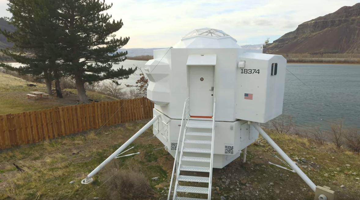 Lunar Lander Tiny House