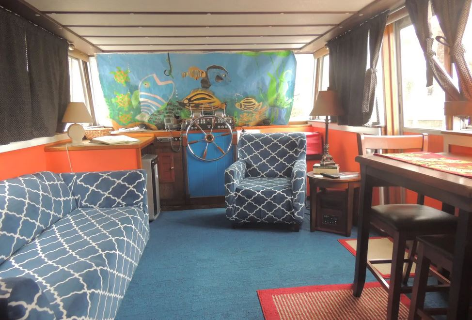 Houseboat Airbnb Richmond