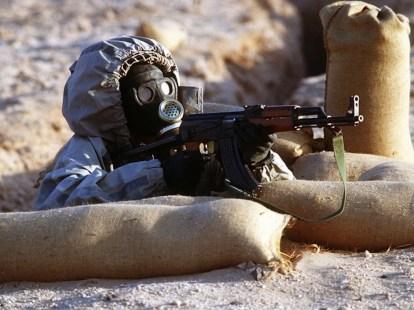 1280px-Syrian_soldier_aims_an_AK-47-800x500_c