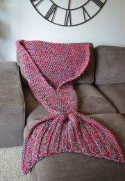 crocheted-mermaid-tail-blankets-melanie-campbell-7
