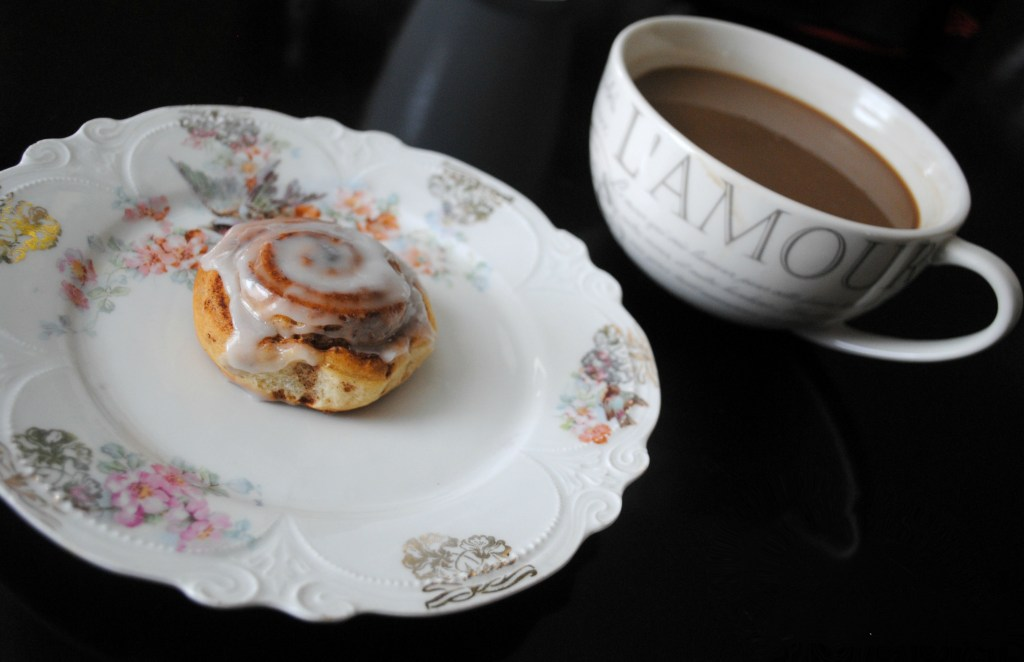 weekend, Saturdays, food, cinnamon roll, breakfast, food blogger, lifestyle blogger