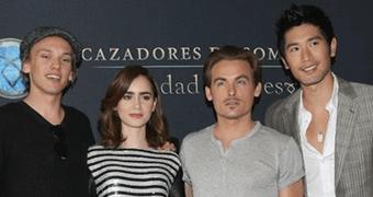 [GALERIA ATUALIZADA] Novas fotos do elenco em um Photocall no Mexico.