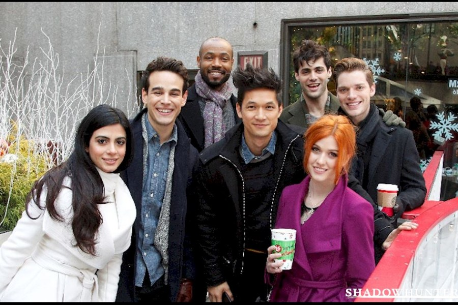 Elenco de Shadowhunters fala sobre o making of da série no Twitter