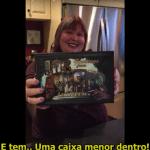 """[Atualizado] Cassandra Clare abre caixa com cópia de """"Lady Midnight"""" e anuncia promoção!"""