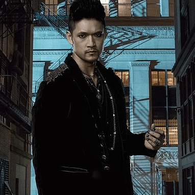 Harry Shum Jr fala sobre Shadowhunters à ComicBook.com