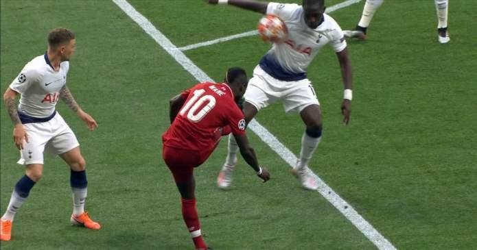 Hands, VAR og sammensausing av fotballdiskusjoner: En frustrasjon og en bekymring