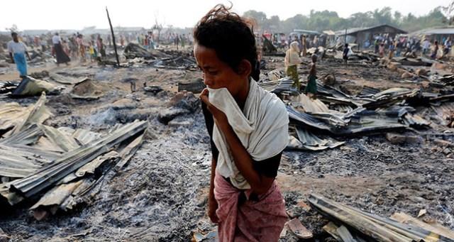 Resultado de imagen de rohingyas fire genocide