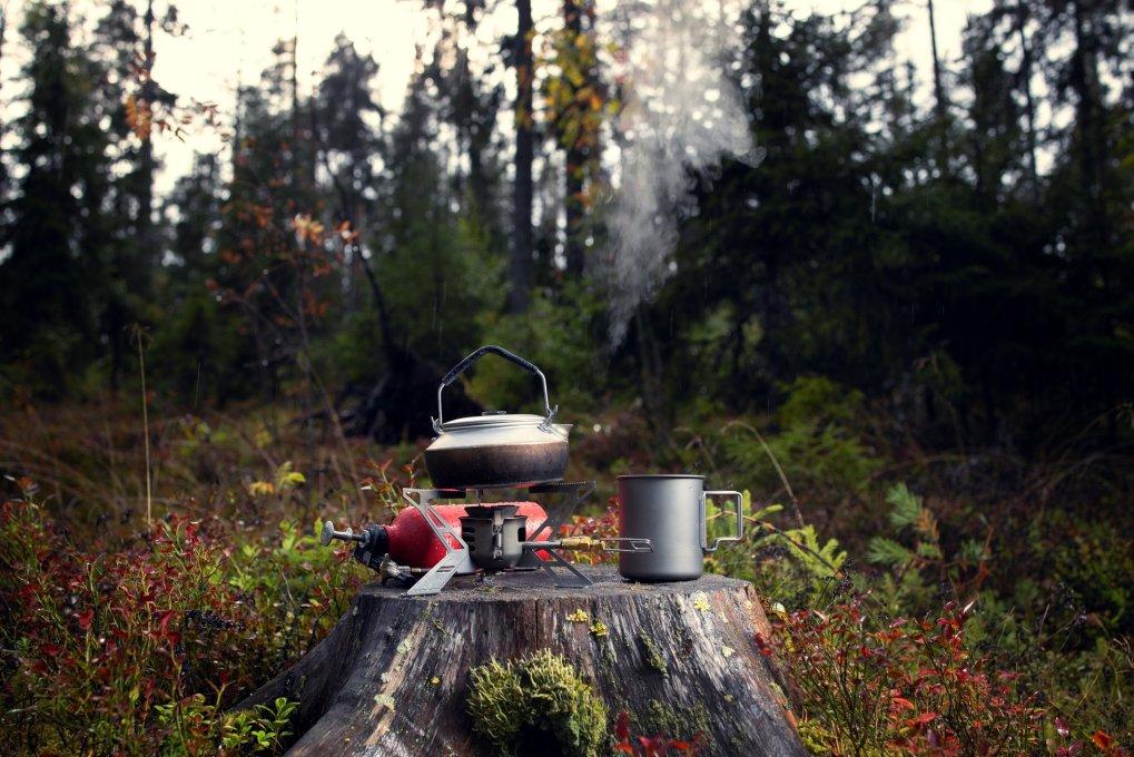 Assurez-vous d'apporter un réchaud de camping et des ustensiles pour cuisiner lors de votre premier long voyage de camping.  (iStock Photo)