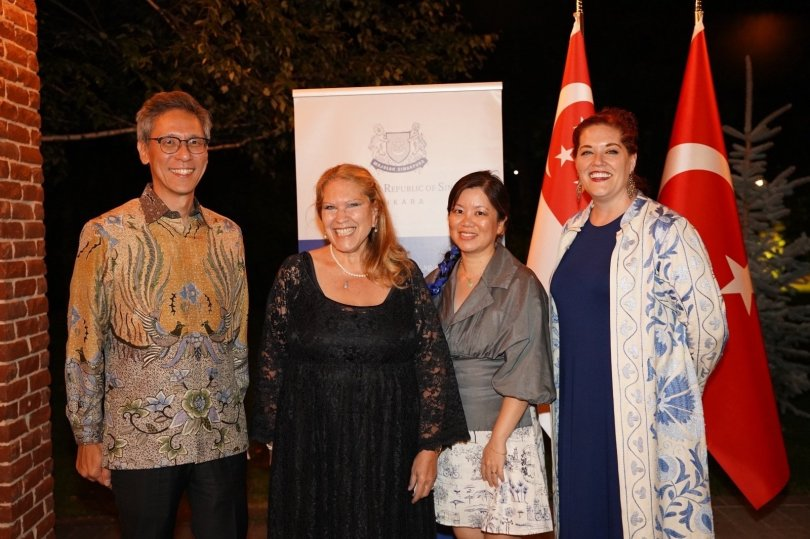 Singapore's Ambassador to Turkey Jonathan Tow (L) together with Kay Redrup (2nd L) at the ambassador's residence in Ankara, Sept.18, 2021 (Courtesy of the embassy)
