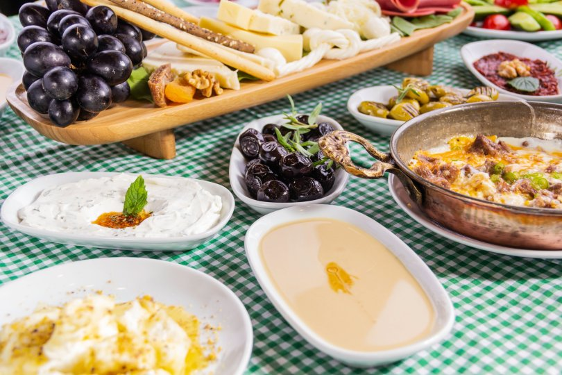 "Van breakfast includes a special egg dish called ""kavurmalı-sucuklu yumurta."" (Shutterstock Photo)"