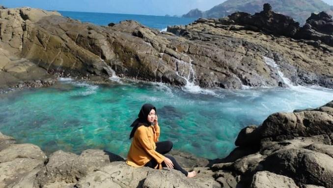 Eksotisnya Pantai Wediombo Jogja