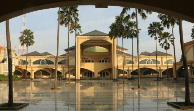Pesona Masjid Pusdai Bandung Yang Menarik