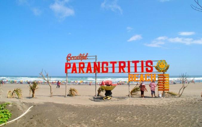 Tempat Wisata Pantai Parangtritis di Yogyakarta