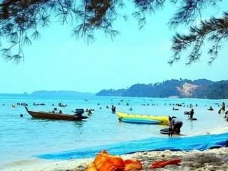 Pantai Melur Batam, Surganya Wisata Air