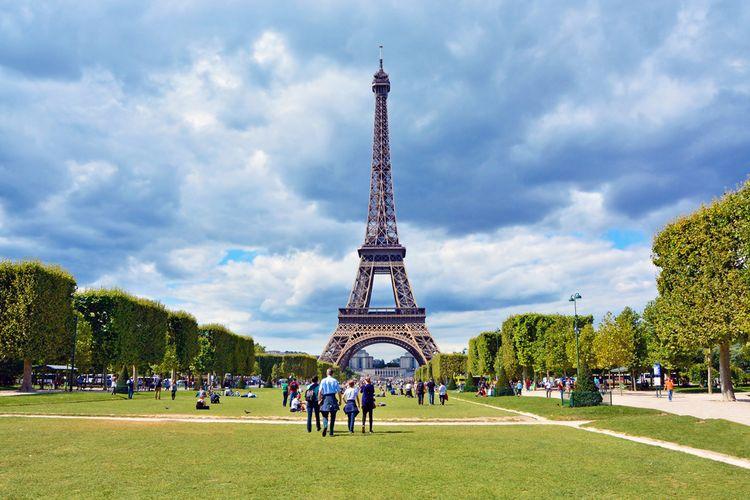 Menara Eiffel - Tempat Wisata Paris Populer
