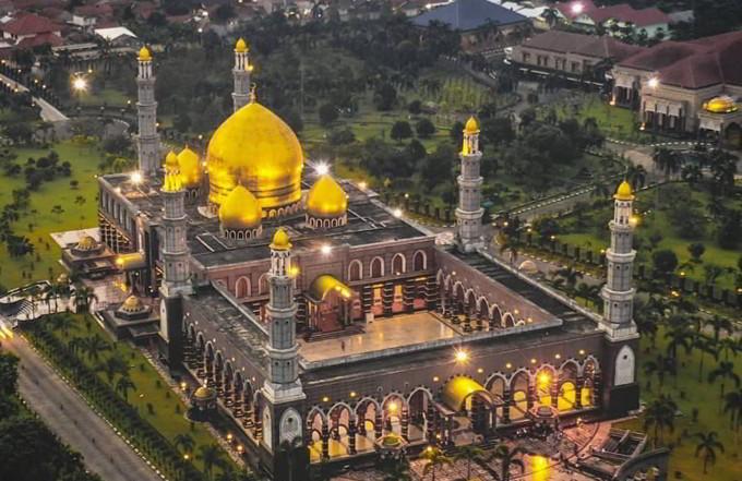 Pesona Tempat Wisata di Depok - Masjid Kubah Emas