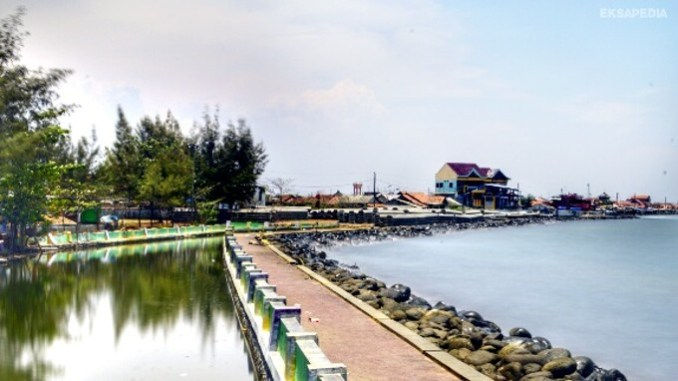 Pantai Pasir Kencana - Tempat Wisata Pekalongan