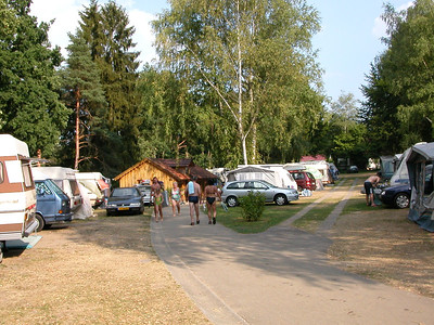 Blick von U18 auf U34 und Holzhaus und U50; S=Seeblick & S=Weichselbrunnweg