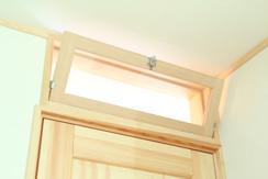 暖房効果向上ための2階ドア上欄間