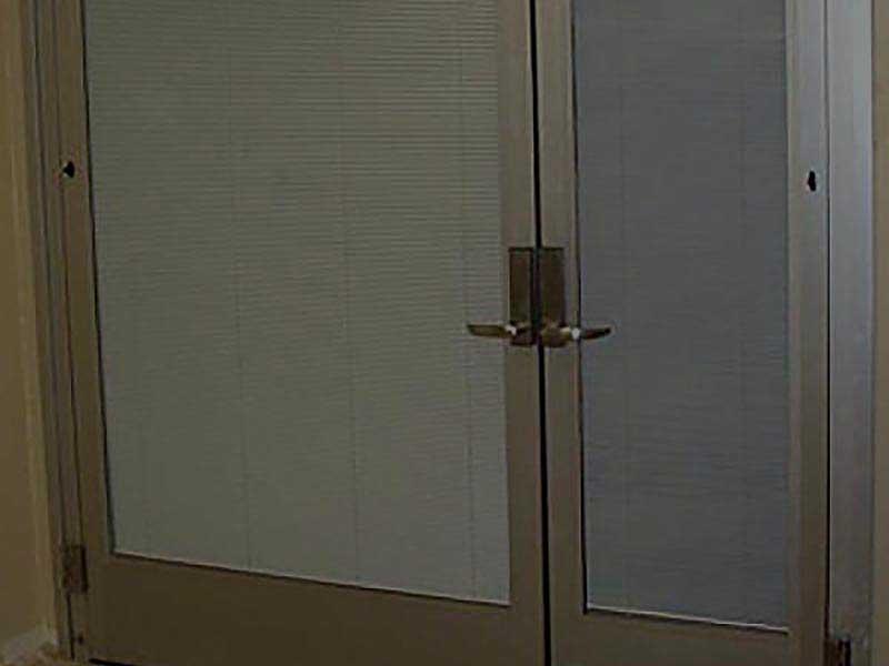 IE; Blinds Between Glass Blind Applications - Aluminum Swing Door