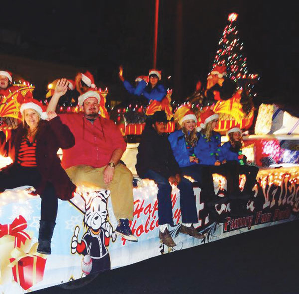 Redlands Lights the Way' with 27th annual Christmas Parade ...