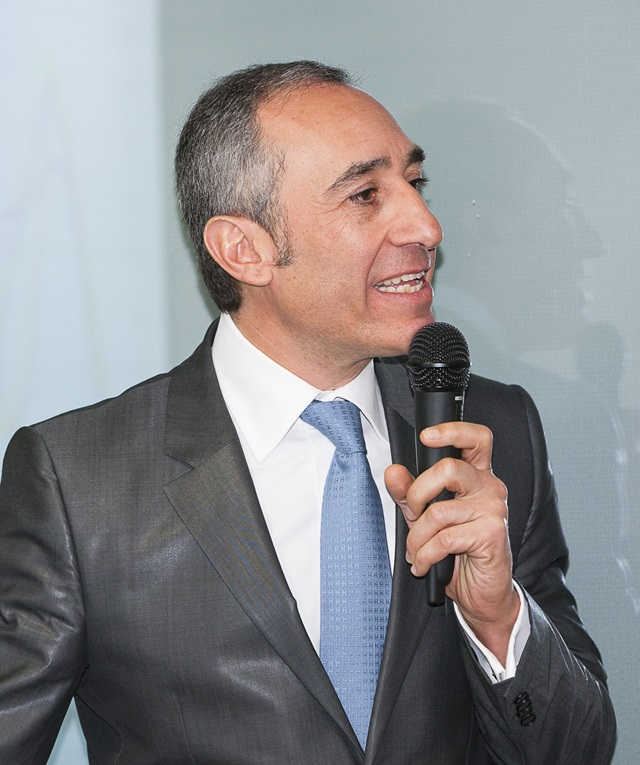 Docteur Michael Assouline chirurgien ophtalmologiste