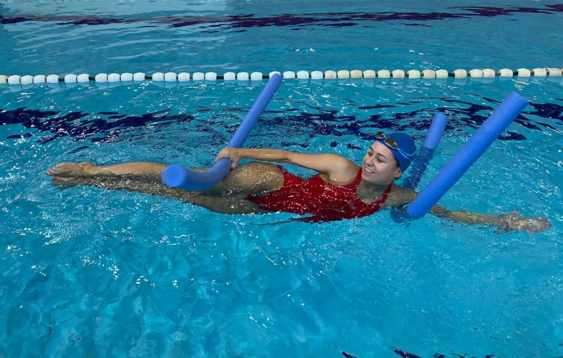 Woggle Noodle swimming aid