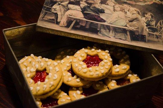 Veldig deilig å ha en kakeboks full til jul med disse. Eller å gi bort!