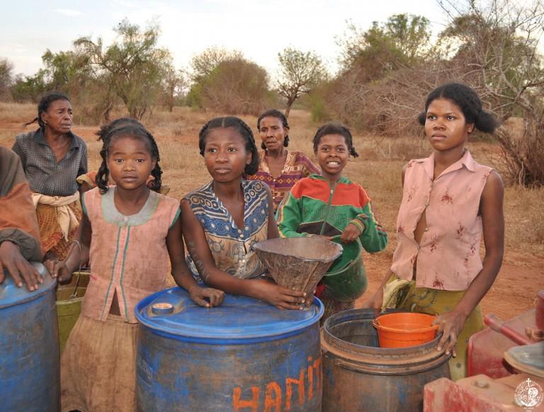 Αναμένοντας την παράδοση του νερού