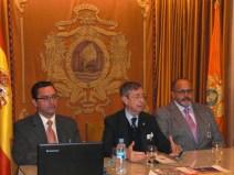 D. Francisco Súnico Varela presenta a los ponentes
