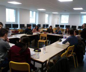 Alumnos y alumnas de Comercio Internacional estudian en Francia.
