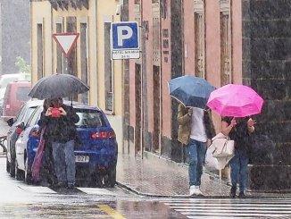 """Очень неблагоприятная ситуация"" из-за дождя и ветра на Канарских островах"