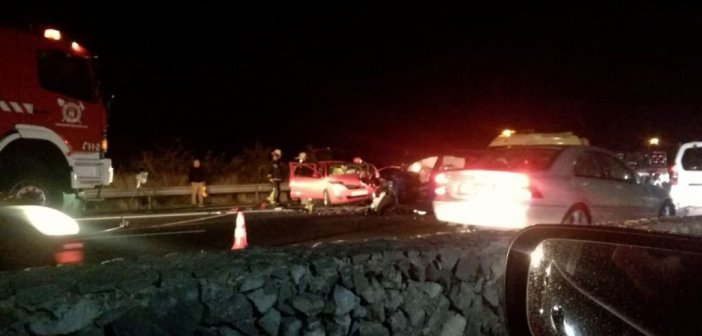 Трое пострадавших после столкновения нескольких автомобилей в La Guancha