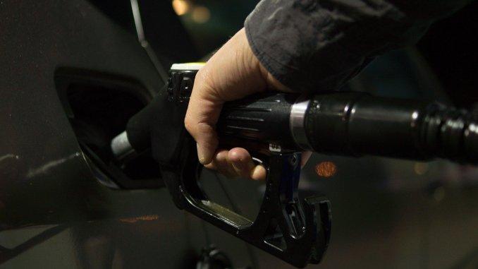 Рост цен на нефть угрожает экономическому восстановлению островов
