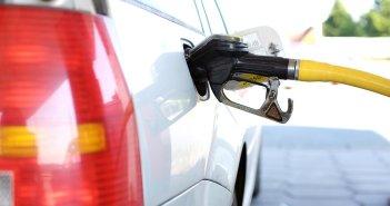 Средняя цена на бензин почти перешагнула максимум, бывший два месяца назад