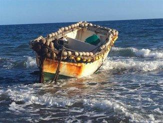 Ещё одна лодка с мигрантами прибыла ночью на пляж Las Galletas