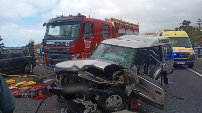 Тенерифе: трое пострадавших при столкновении автомобилей в Icod de los Vinos