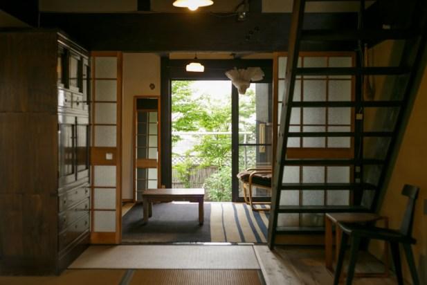 階段は今、昌彦さんの玄関から入ってすぐの部屋にあります。