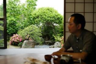 表庭(南庭)は昌彦さんが手入れされています。