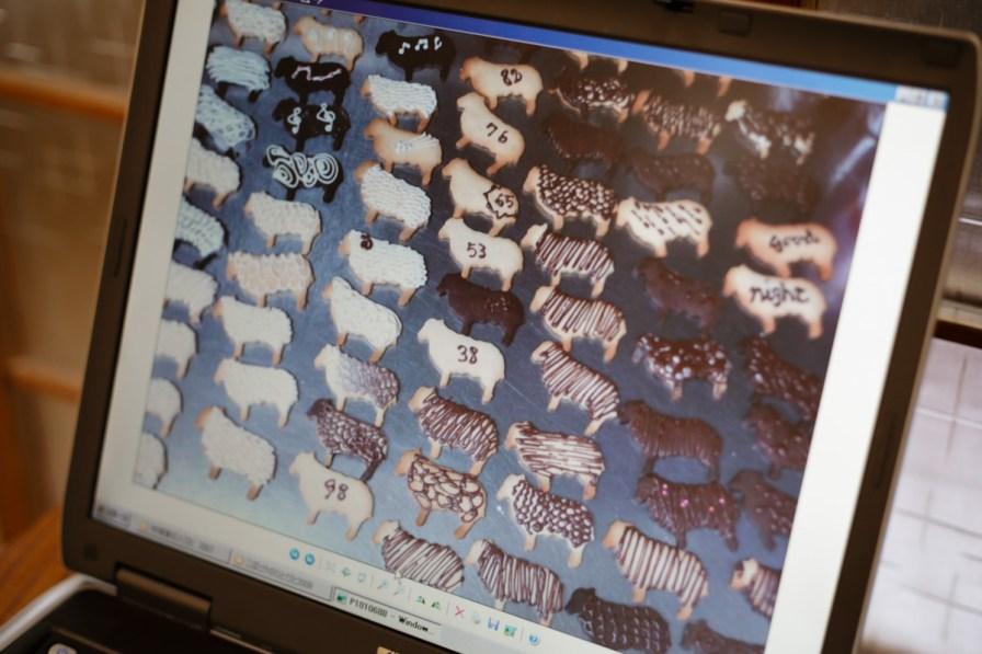 材料とアイシングが異なるクッキーの羊100匹も第2回『木鳩家の人々』展に登場しました