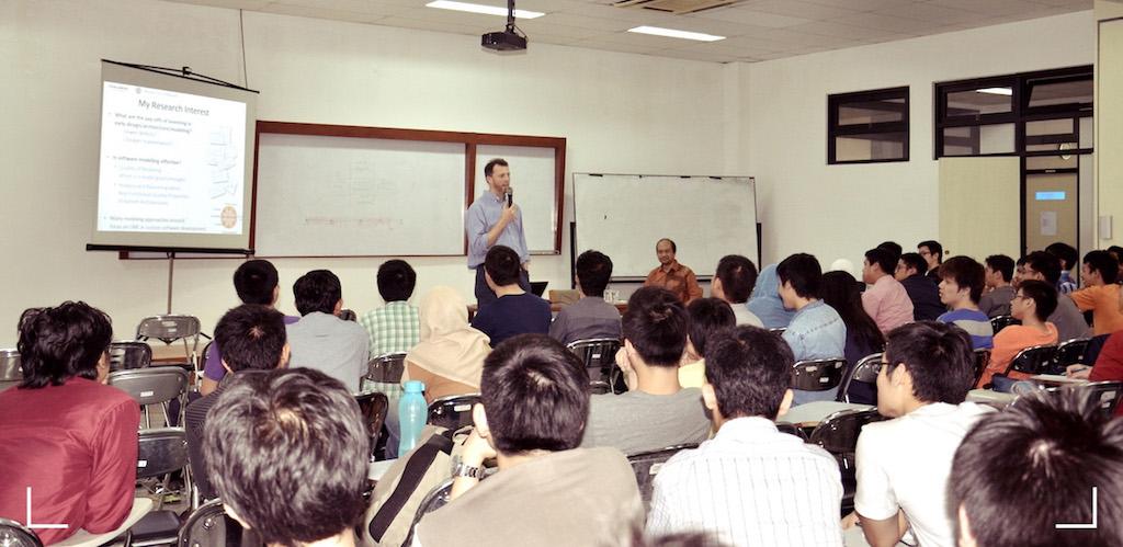 "Kuliah Tamu Oleh Prof.Michel Chaudron | ""Introduction to Empirical Research"""