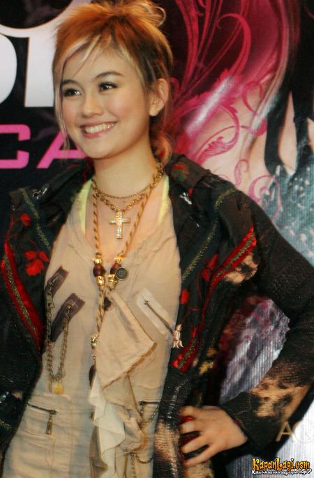 Agnes Monica Colorful Hairstyle Ifahisablackjack