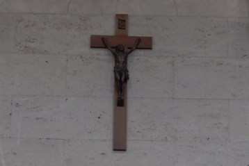 Crucifix removed from Montreal City Council to 'reaffirm secular character'