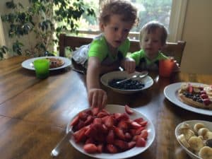 How to Make an Easy & Healthy Fourth of July Crafty Snack