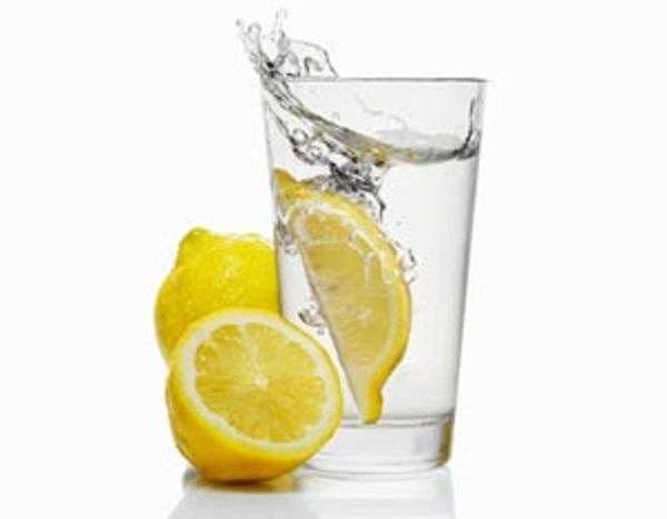 ifarasha-وصفة بالليمون الحامض لإزالة السموم من الجسم2