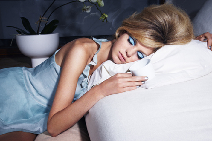 BABES-4-Dangerous-Things-That-Happen-When-You-Sleep-With-Your-Makeup-On-LOOK