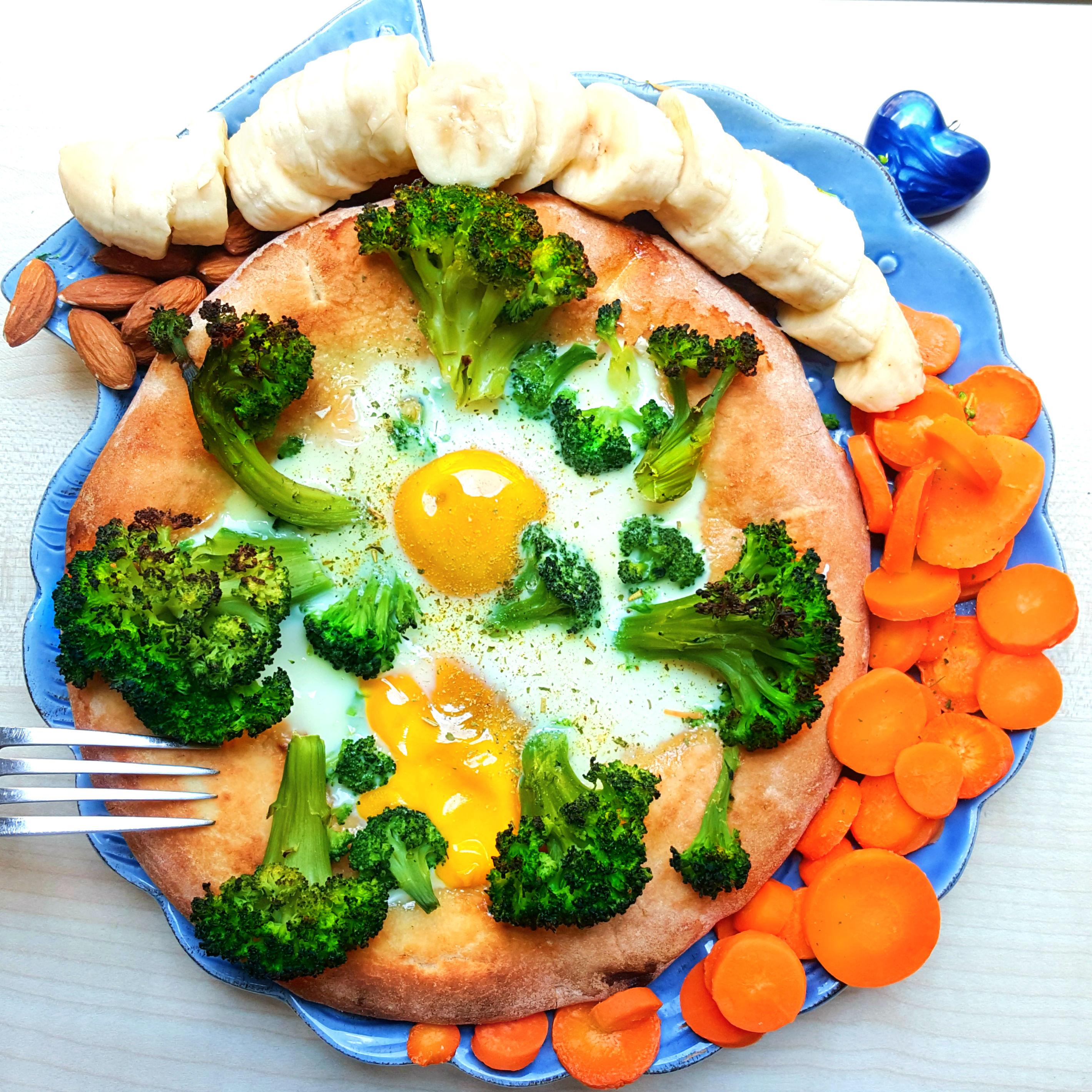 boomerang banana, gettoni carote, racchette broccoli, frisbee sole, tetris mandorle