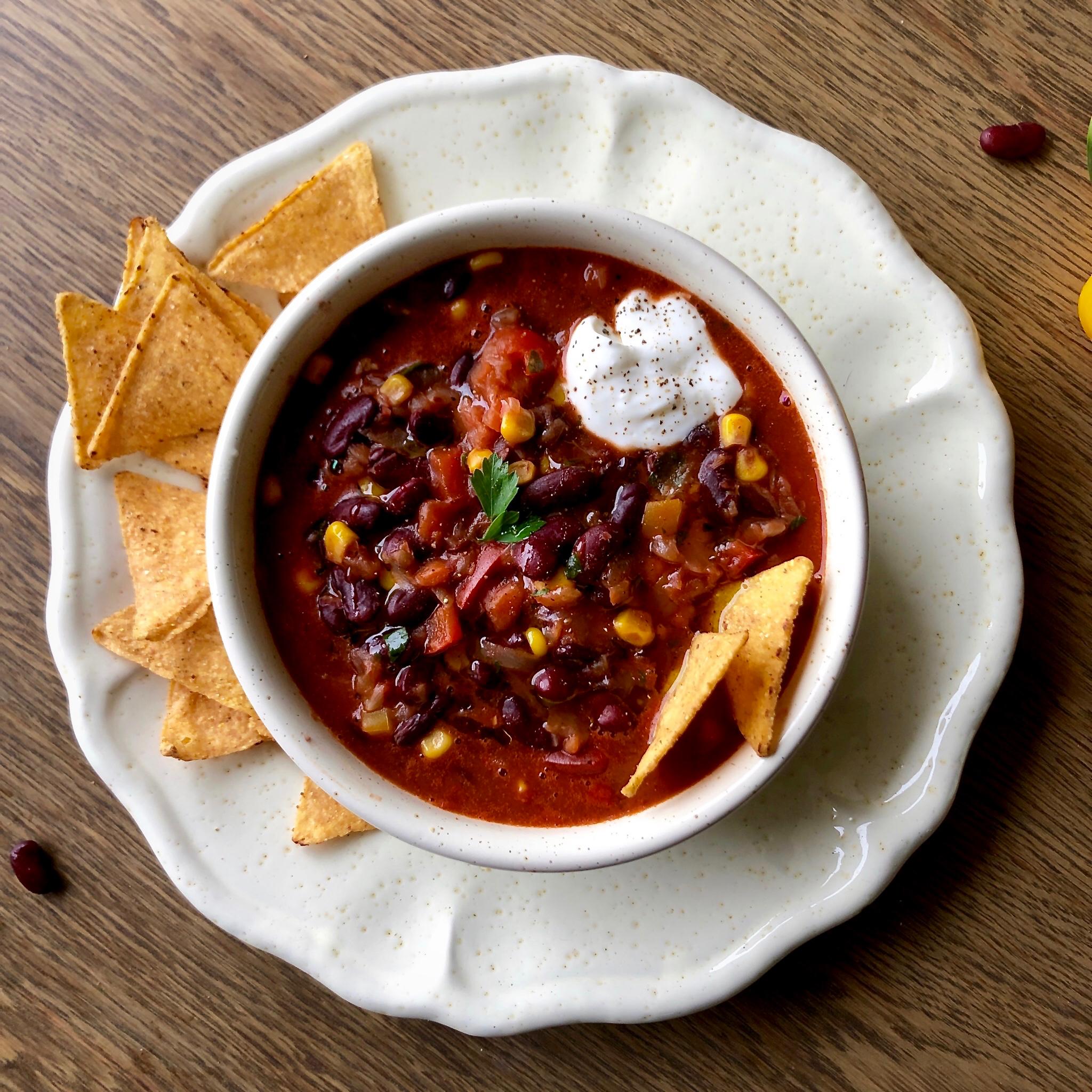 Zuppa di fagioli mais e peperoni alla messicana